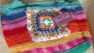 colorful crochet purse, nice little laces