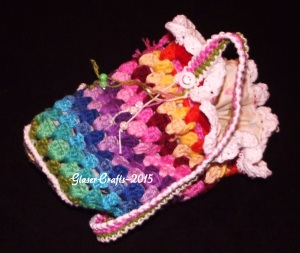 crochet coloured pouch-smile