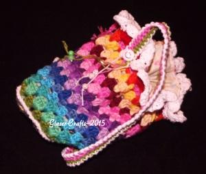 crochet coloured pouch-smile